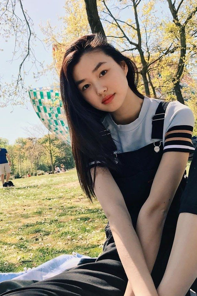 How French Chinese Model Estelle Chen Is Preparing For Her Victoria S Secret Fashion Show Debut Victoria Secret Fashion Show Girl Model Model