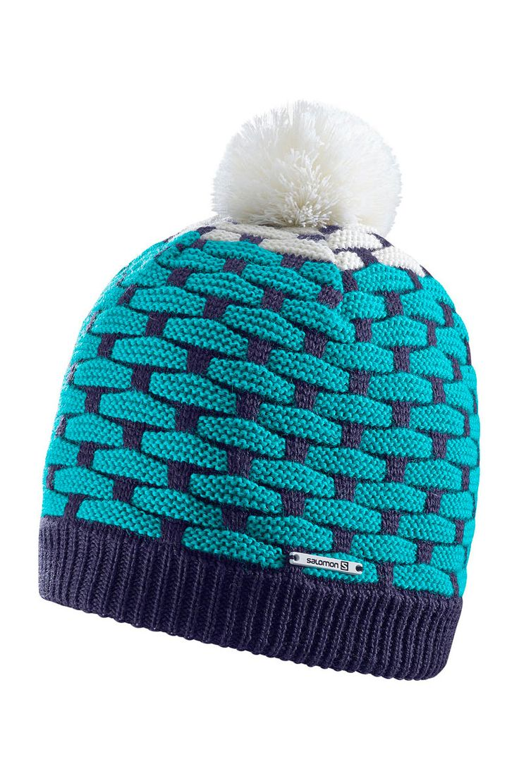 Trendy, the 2017 Solomon Women's Poly Ski & Snowboard Hat is a go to for after snowsports or cold winters in the city.