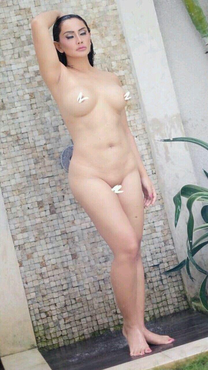 Magazine models nude venus