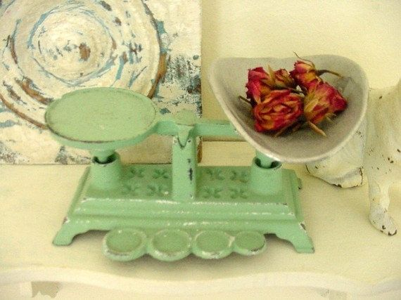 This would be so cute in my Kitchen! Jadite Green Vintage Cast Iron Kitchen Scale by Somethingcharming, $40.00