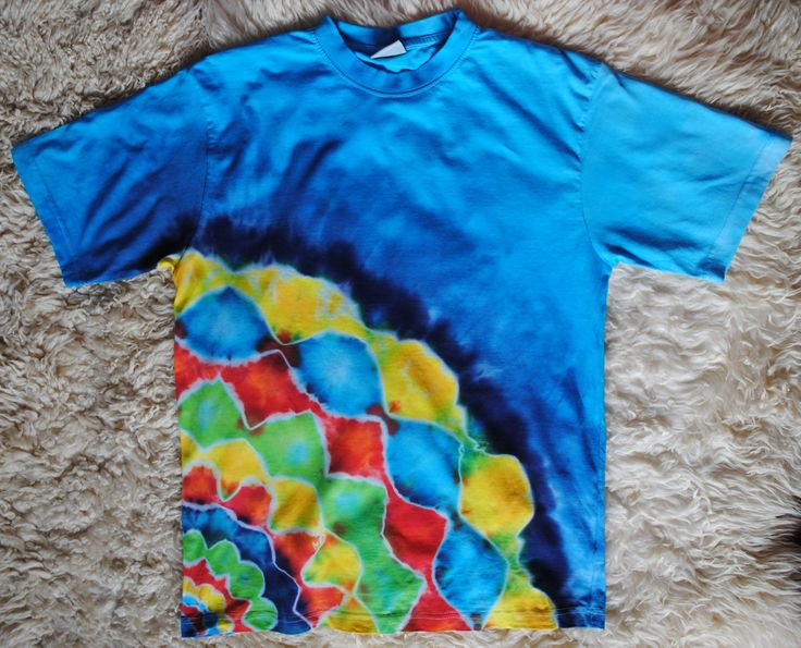 Triko+L+-+Jarní+Originální,+pánské,+batikované+tričko,+velikost+L.+105+cm+přes+prsa,+délka+72+cm,+gramáž+190g/m2.+Barveno+kvalitními+reaktivními+barvami,+první+praní+doporučuji+v+ruce,+další+v+pračce+při+teplotě+30+-+40st.
