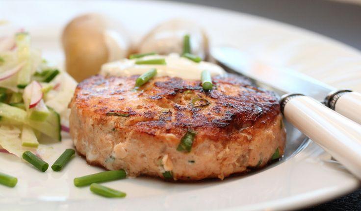 Lakseburger med fennikelsalat og sitrondressing- bruk<mindre crem fraiche