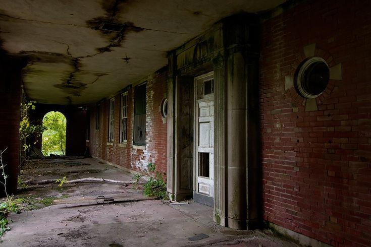 (4. Manteno State Mental Hospital, Manteno, IL - continued):  Photo: Google