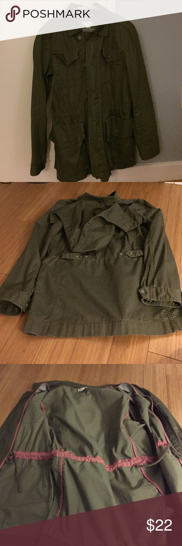 J.Crew women's Utility Jacket 100% cotton size small jacket. Removable hood. Great condition, no noticeable wear to speak of. 2 large button pockets on both size. Zipper and button closure. Worn gently and infrequently. J. Crew Jackets & Coats Utility Jackets