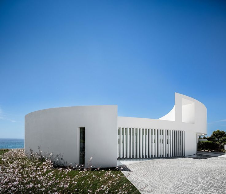 The Elliptic House by Mário Martins Atelier in Lagos, Portugal | Yatzer