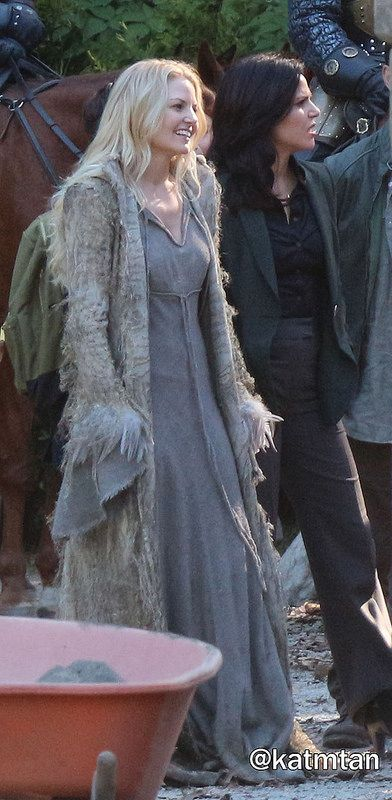 Jennifer & Lana on set (July 14, 2015)