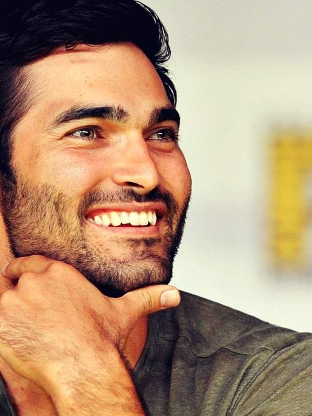 Tyler Hoechlin!!! So strongly believe that when Hugh Jackman retires from wolverine, this man should be his replacement!!!!!