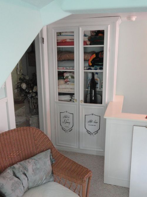24 Best Images About Closet In Wall On Pinterest Linen
