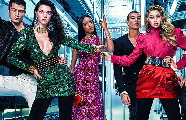 We are totally obsessed with all the accessories Kendall Jenner, Jourdan Dunn and Gigi Hadid are wearing in this Balmain x H&M ad