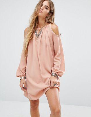 Glamorous - Vestito svasato con spalle scoperte