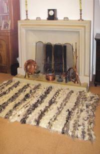 YES! Finally, how to make a peg loom and a rug, woohoo!