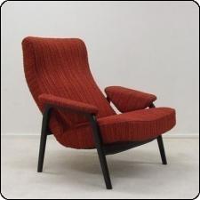 Te koop: verschillende modellen design stoelen / fauteuils van Theo Ruth voor Artifort uit de jaren '50 en '60. Wij hebben een aantal versch. modellen staan die opnieuw bekleed moeten worden en dan weer een leven lang mee kunnen. Prachtige vintage / retro fauteuils die goed passen in een huis vol met Deens of Dutch design.   Prijs per stoel (moeten nog bekleed): 250 euro. Prijs per stoel die 'af' is: 545 euro. Bij ons laten bekleden kost 295 euro per stoel.