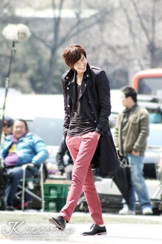 Lee Min-ho on location for City Hunter