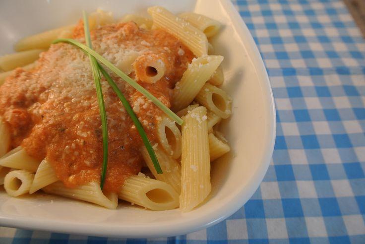 Snelle pasta met tomaten-ricottasaus