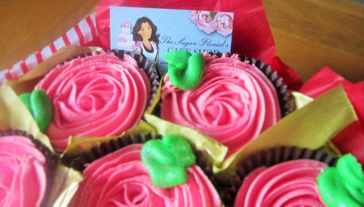 Pink rose cupcake bouquet. http://www.thesugarfloristscakeshop.co.uk/