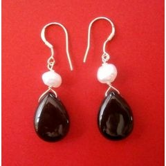 925 Silver Black Agate and Pearl Earrings for R100.00