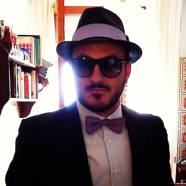 Bellissimo testimone con un mio cappello e papion in coordinato ;) #matrimonio #instaitalia #instaitaly_photo #instaitalian #fascinator #instagood #instadaily #instalike #madeinitaly #arte #artigianato #artigian #cappello #hat #cinema # papillon #wedding