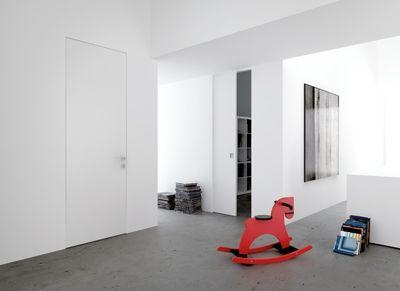 Le porte filomuro Eclisse: minimali, hig-tec, scorrevoli e battenti. Senza finiture esterne si mimetizzano con la parete.
