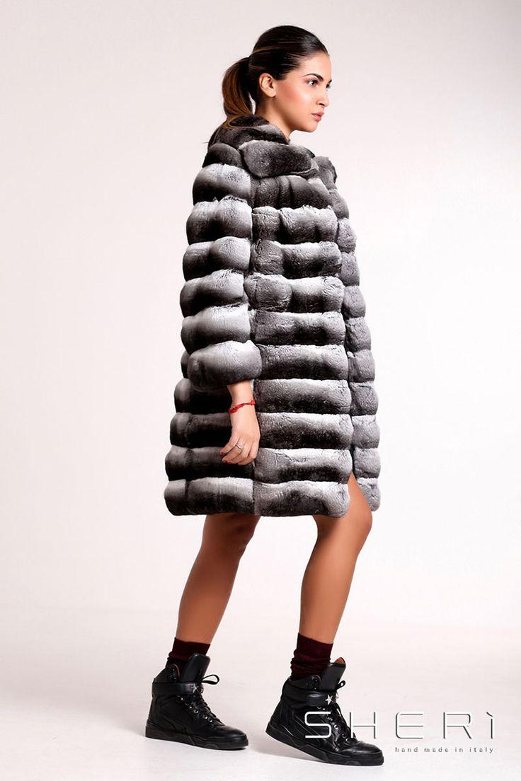 G-04 - Cappotto #Cincillà - Collezione #Jolie Il #Natale si avvicina. Regala un caldo #inverno grazie ai prodotti #SHERì. Scopri tutte le novità su www.sheri.it #fur #fashion #chinchilla #handmade #madeinitaly #luxury #grey #moda #style #christmas #furfashion #winter #autumn