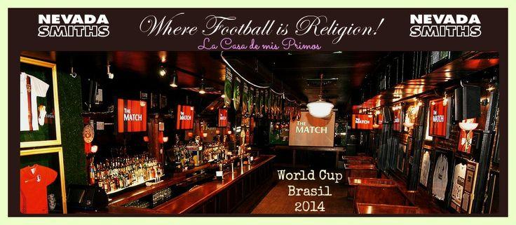 """Una buena opción para ver los partido de la Copa Mundial es """"Nevada Smiths"""" en 100 Third Avenue. Presentan un menú especial para la World Cup por $10 cada plato con alitas de pollo, fingers de queso, quesadillas, aros de cebolla... vamos, la mejor comida posible para ver un buen partido.  ¿Quién se anima? Let´s gooo!! http://www.nevadasmiths.net/  #lacasademisprimos #lacasademisprimosenny #nuevayork #apartamentos #tours #worldcup"""