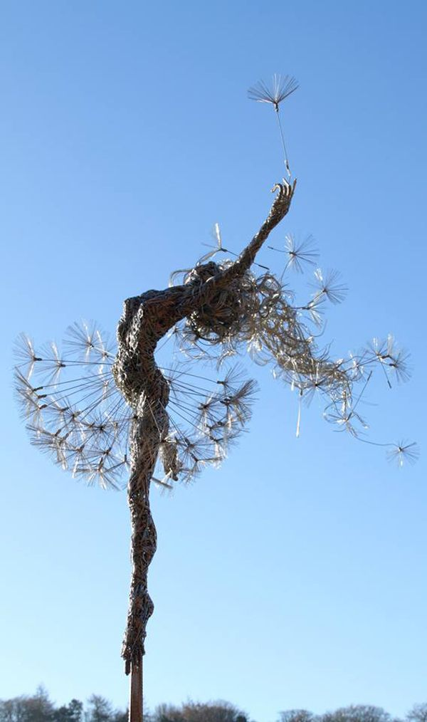 -Robin Wight- Fantasy fairy (sculptures made from steel wires)