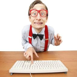Wie ben je online? Lesmateriaal rond mediawijsheid voor groep 5 t/m 8