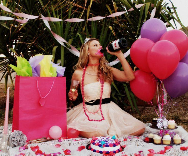 Adult cake smash, 30th birthday. funny, fun, bday, b-day, cup cake, celebrate, idea, balloons,