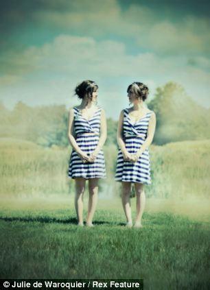 Julie de Waroquier Twin Project