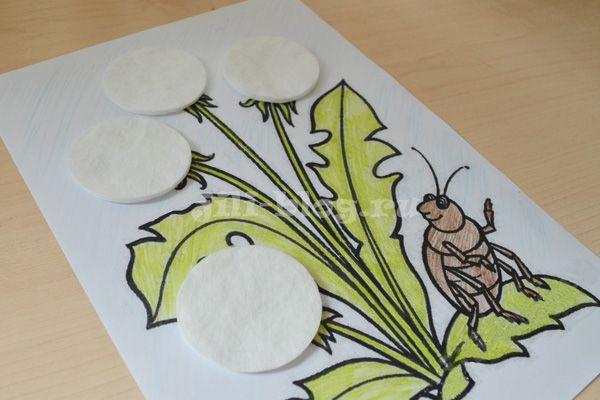 Аппликация Одуванчики из ватных дисков