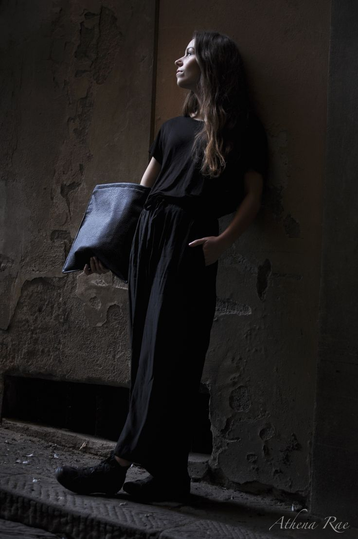 Fashion design by Nickie Geneser Bach: Follow my page: https://www.facebook.com/featheryfire #Fashiondesign #Fashion #photoshoot #Studyabroad #Colors #Designerclothing #Poses #winter #Night #accademiaitaliana #featheryfire #Clothing #Florence #Denmark #Models