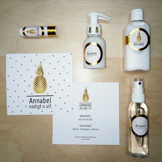 stijlvolle uitnodiging voor communie of lentefeest, met shiny goud en decoratieve ananas! www.bookadee.net
