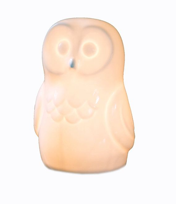 owl-lamp-made-from-ceramic-bone-china. Porceleinen uil lamp wit.