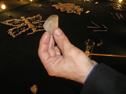 Необработанный алмаз. Якутия. Фото Александр Бердников