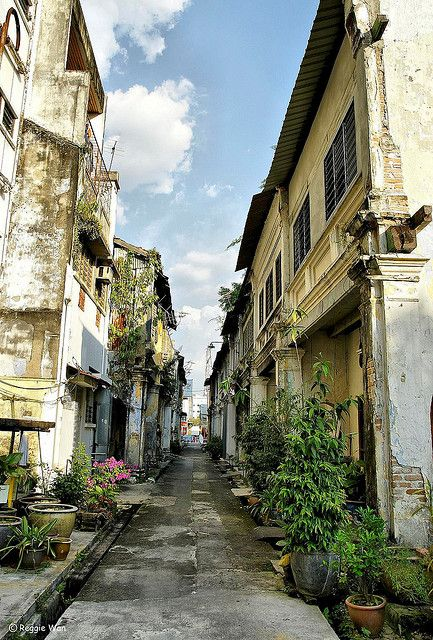 An old lane in Old Town Ipoh. | Flickr - Photo Sharing! Went here to be a bridesmaid. Very interesting!