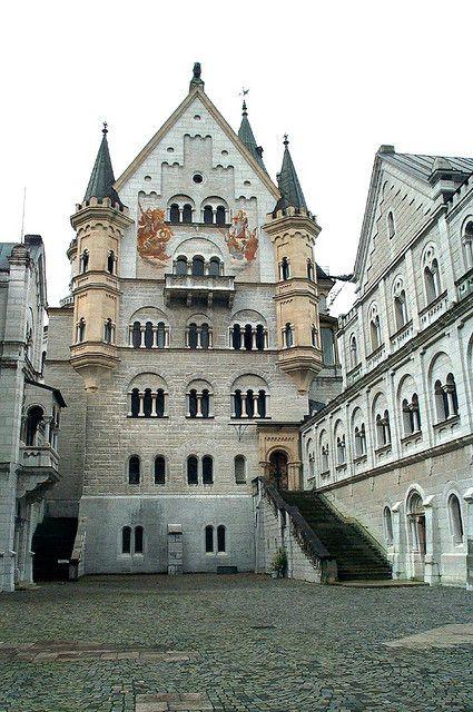 Courtyard, Schloß Neuschwanstein  Hohenschwangau, Bavaria, Germany