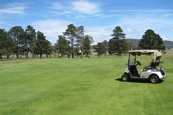 Friendly, Relaxed & Central in Canberra: Fairbairn Golf Club, 5 minutes from Brindabella Business Park. Two can play 18 Holes with a cart, and a beer each afterwards at the Club. Bookings 7 days a week. Don't miss this offer, $49.00 #Canberra #CrazyGolfDeals http://crazygolfdeals.com.au/deal/act--2/fairbairn-golf-club-golf-for-2-with-cart-beverages-bookings-7-days--2?affiliate_code=twitter&utm_source=twitter&utm_medium=cpc&utm_campaign=twitter