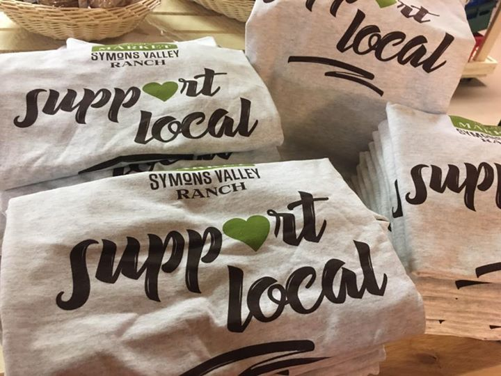 Was hanging out with Dawn Van Tienhoven-Buschert from Shirley's Greenhouses and Dorothy Keith at the Olds Uptowne Market this afternoon.   Guess who's got a new business idea in the works .  In the mean time don't forget to support local! (Symons Valley Ranch / The Market on Macleod)