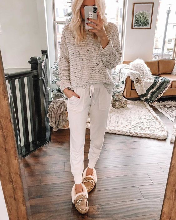 10 outfits cómodos para hacer home office que no son pants | Mujer de 10 Cute Lounge Outfits, Lazy Day Outfits, Cute Comfy Outfits, Casual Outfits, Fashion Outfits, Lounge Pants Outfit, Lazy Winter Outfits, Comfortable Outfits, Pastel Outfit