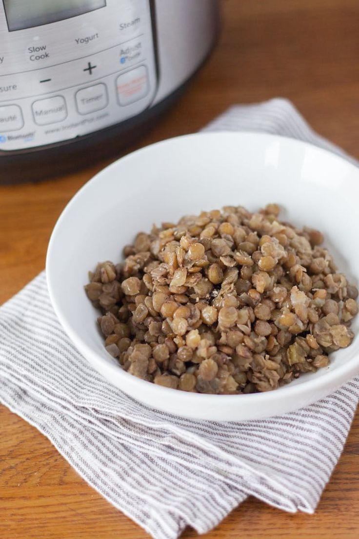 How To Cook Lentils in the Electric Pressure Cooker. This HEALTHY EASY recipe for lentils is a great shortcut tip in the kitchen. Serve them as a side dish, stir them into soup, stuff them in a taco - whatever you like! So simple and so fast. Great recipe idea for your instant pot!
