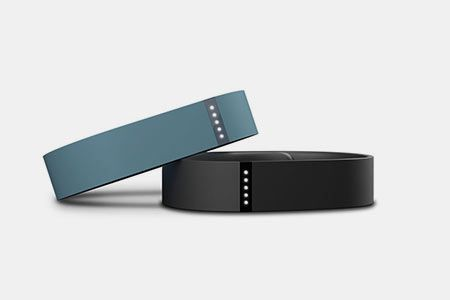 Fitbit Flex, un concentré de #technologie au service de votre bien - être  http://lecollectif.orange.fr/media/corner-objets-connectes/produit/fitbit-flex/