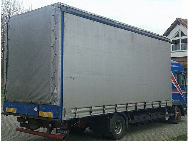 MAN TGL 8.240 Schlafkabine Klima Analog German Truck, Truck Flatbed + tarpaulin in Neuhaus Am Inn, used buy on AutoScout24 Trucks