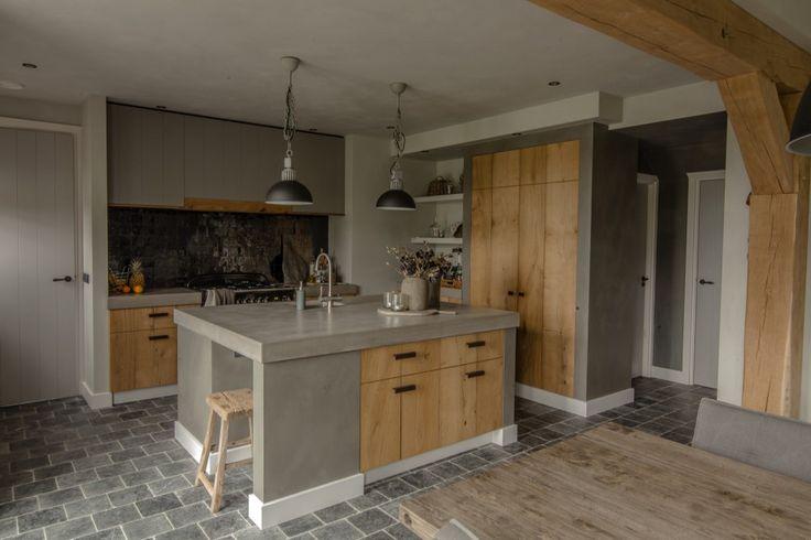 Atelier op Zolder - Project 04 - Keuken met keukeneiland en houten accenten