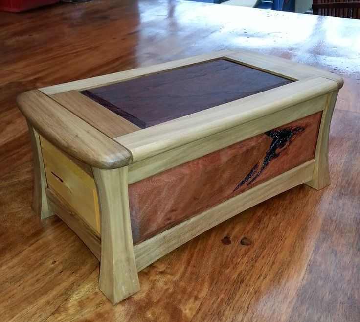 Neil Scobie Box for my daughter at Christmas - by icemanhank @ LumberJocks.com ~ woodworking community