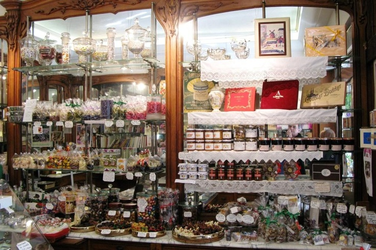 A l'étoile d'or, best and more beautiful place to buy chocolate!  Peter's Paris: Shopping