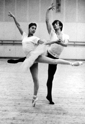"""Рудольф Нуриев и Марго Фонтейн на репетиции балета """"Жизель"""". 1962 - 1963"""