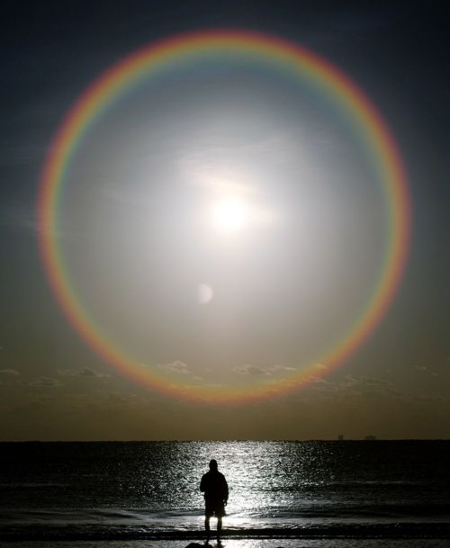 perfect rainbow around the moon...