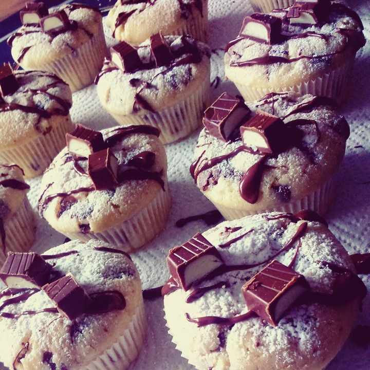 Kinderschokolade - Muffins, ein beliebtes Rezept aus der Kategorie Kuchen. Bewertungen: 335. Durchschnitt: Ø 4,5.