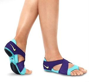 NIKE STUDIO WRAP WOMEN'S HOT YOGA KICKBOXING DANCE SHOE WAS $50 XS