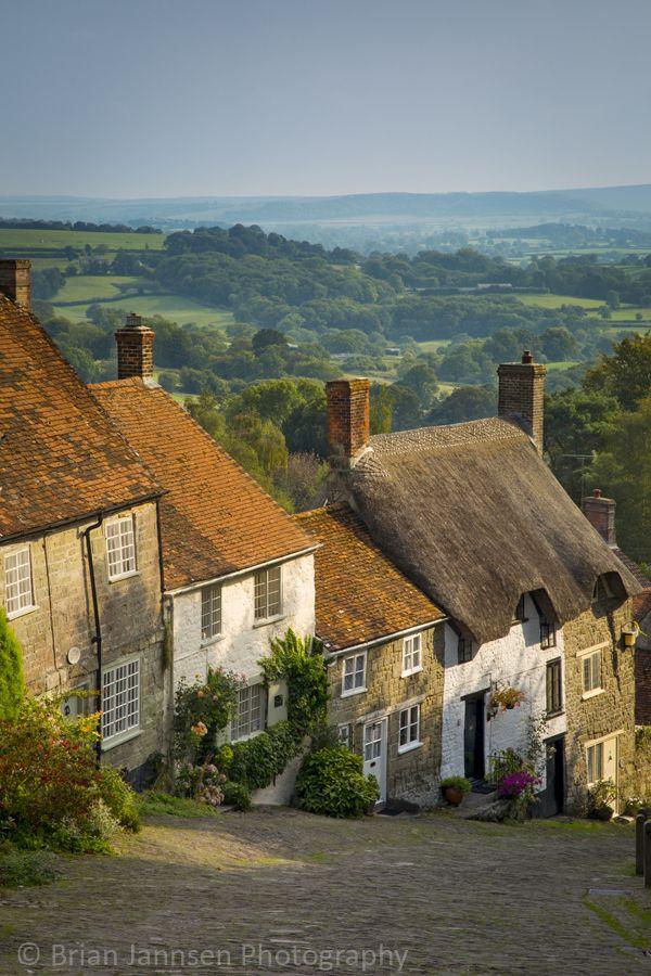 Gold Hill cottages, Shaftesbury, Dorset, England.  © Brian Jannsen Photography