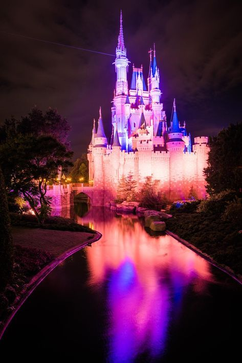 Walt Disney World's The Kiss Goodnight Tips and Review